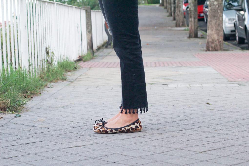 detalle-bailarinas-leopardo-look-con-choker