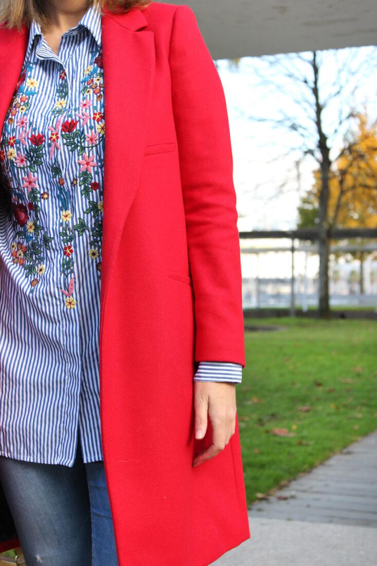 camisa-bordada-abrigo-rojo-zara-siempre-hay-algo-que-ponerse-blog-moda-vigo