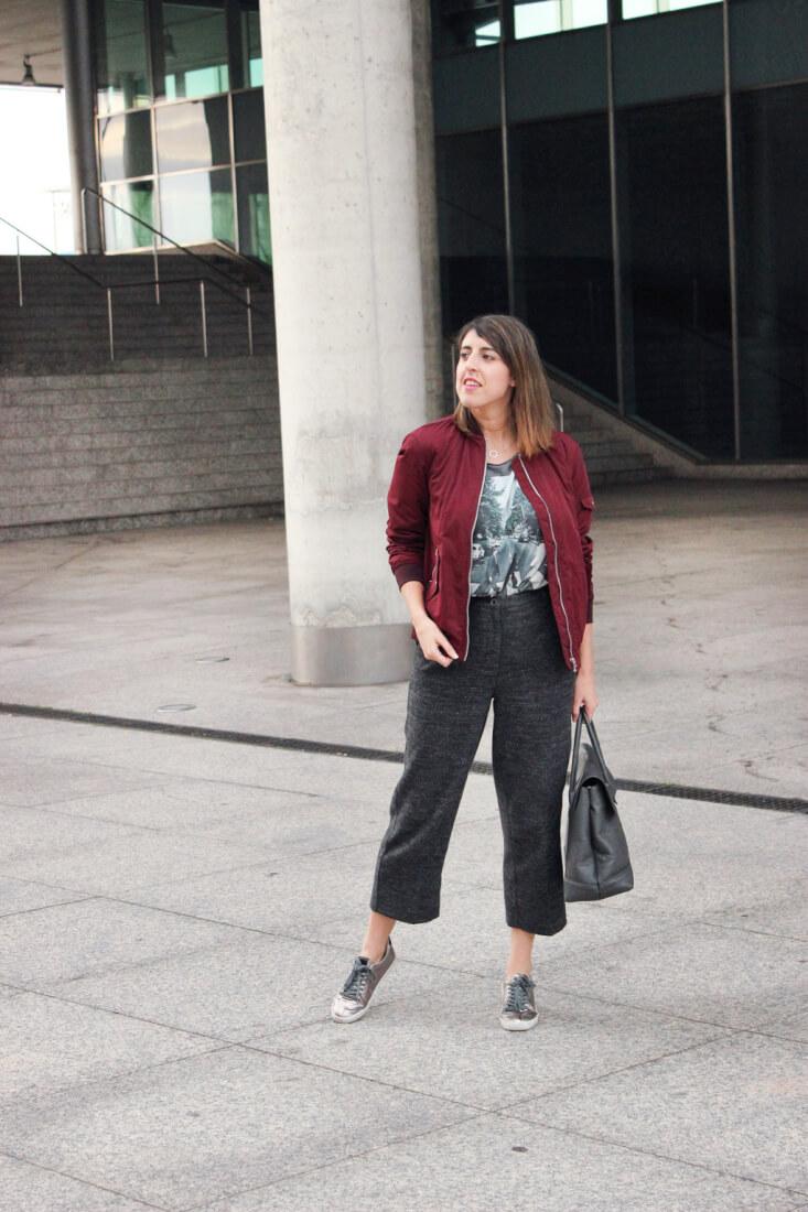 siemprehayalgoqueponerse-blog-moda-tendencia-look-pantalon-cropped-gris-zara