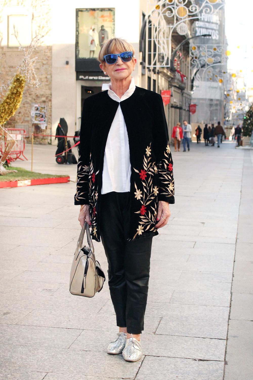 vigo-street-style-moda-galicia-abrigo-terciopelo-bordado-mango