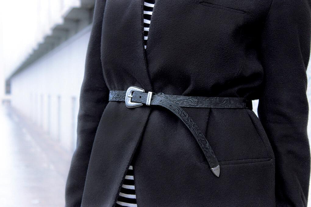 accesorios-detalle-cinto-hebilla-plateada-massimo-dutti-jersey-rayas