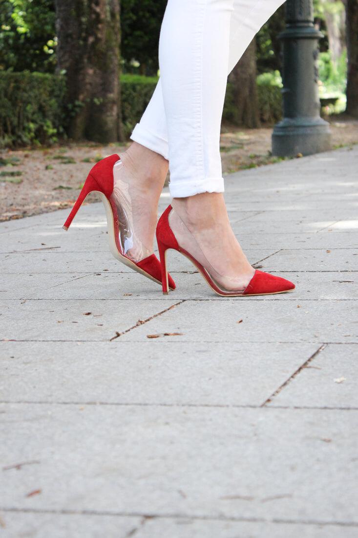 accesorios-tacones-rojos-krack-lady-addict-vaqueros-blancos-blog-moda-siemprehayalgoqueponerse