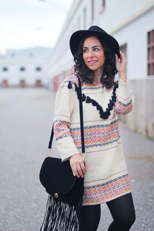 look-con-vestido-etnico-street-style-dress