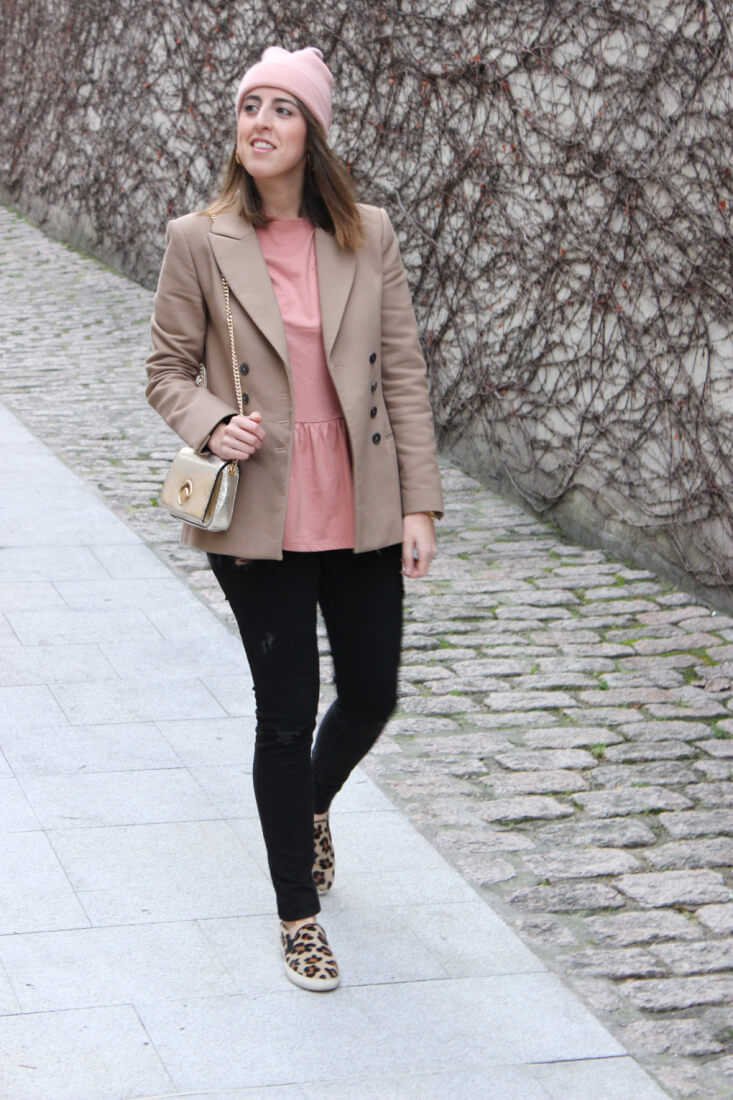 blog-de-moda-vigo-siemprehayalgoqueponerse-blusa-peplum
