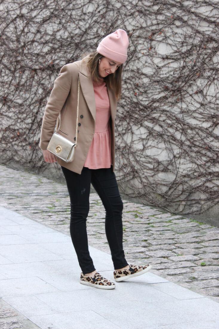 blusa-peplum-blazer-camel-gorro-lana-look-blog-moda
