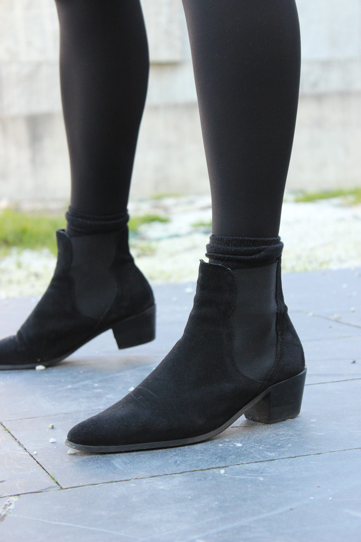 botines-mango-medias-negras-falda-cuadros-vichy