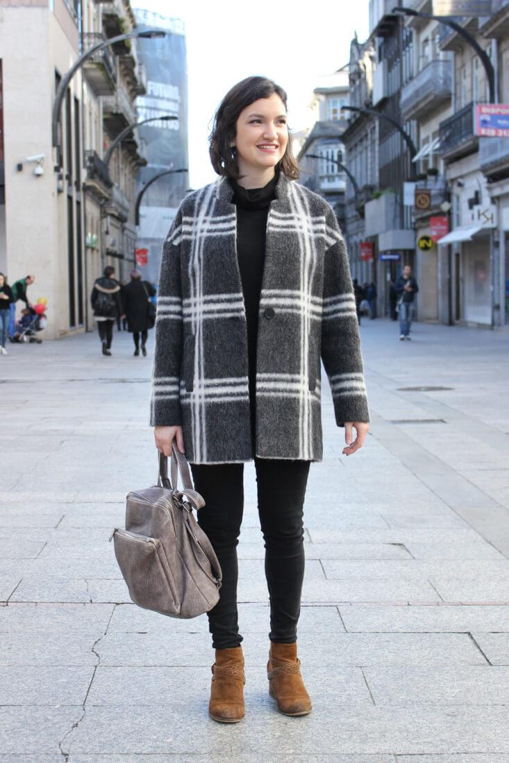vigo-street-style-febrero-abrigo-cuadros