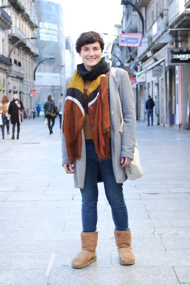 vigo-stret-style-febrero-abrigo-gris-botas-ugg