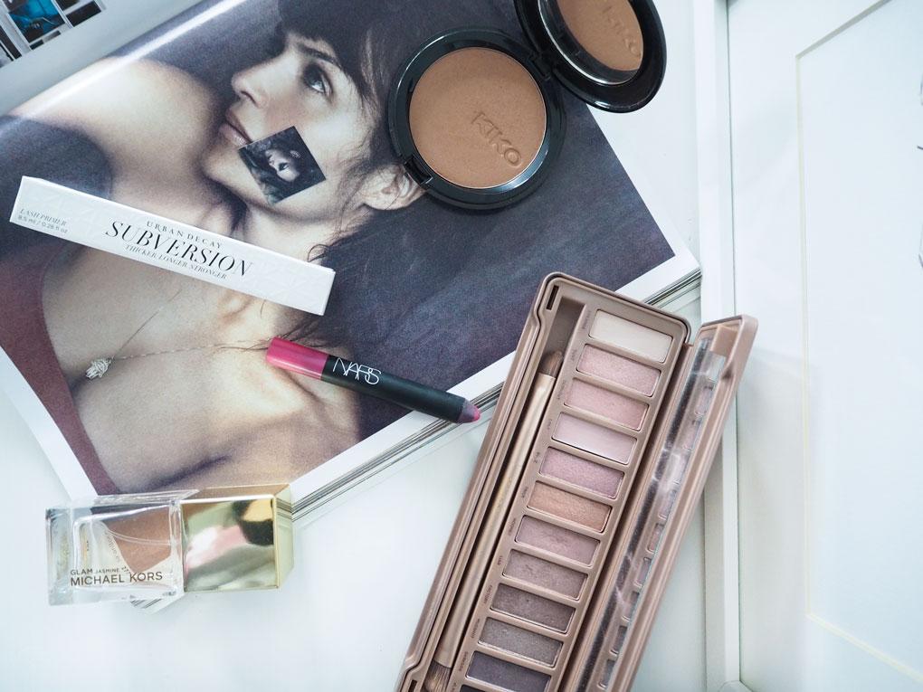 cuidado-facial-y-maquillaje-paleta-naked-urban-decay