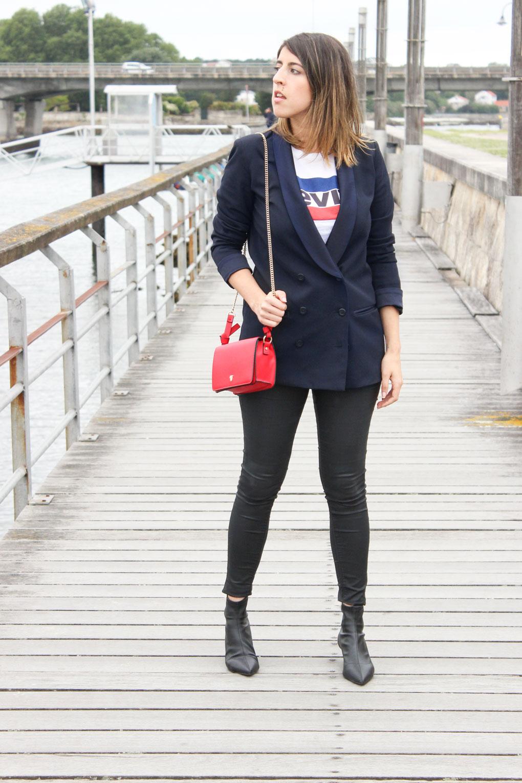 camiseta-levis-americana-azul-marino-solapa-redonda-zara