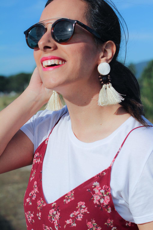 pendientes-pompones-vestido-lencero
