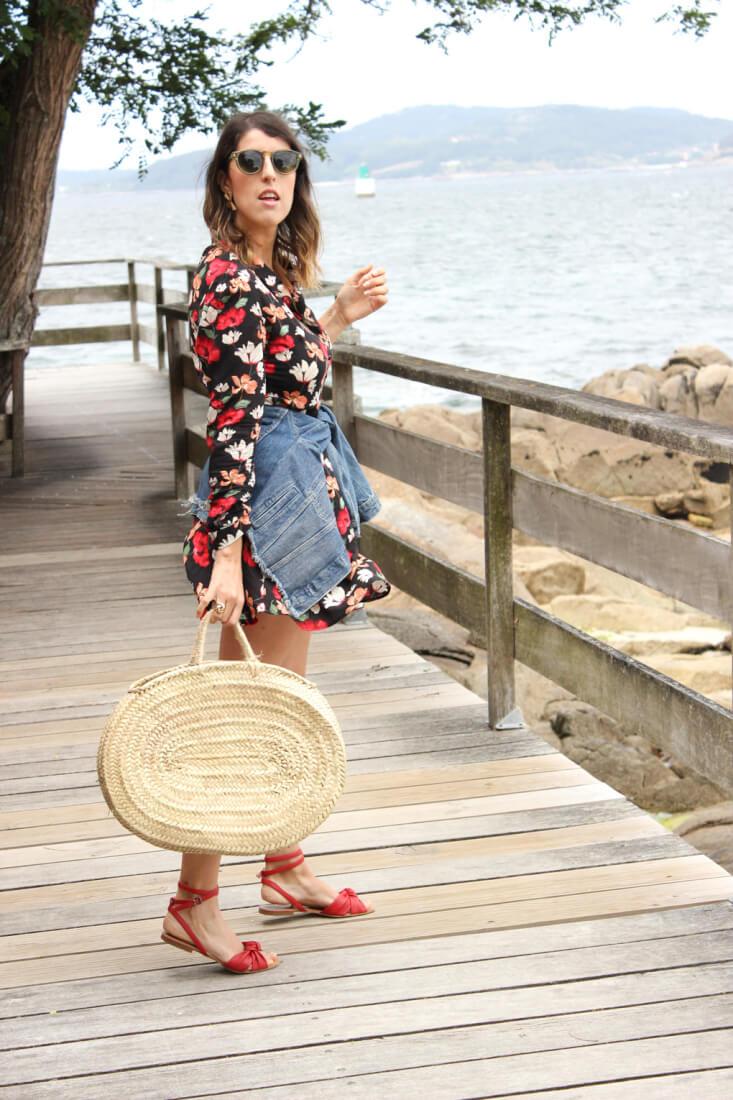 bolso-de-cesta-vestido-flores-zara-blog-moda-vigo