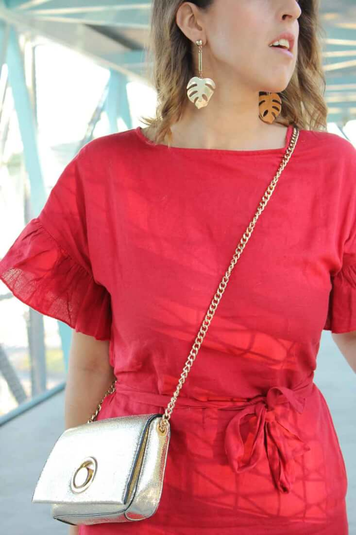 pendientes-hoja-sfera-vestido-lino-rojo