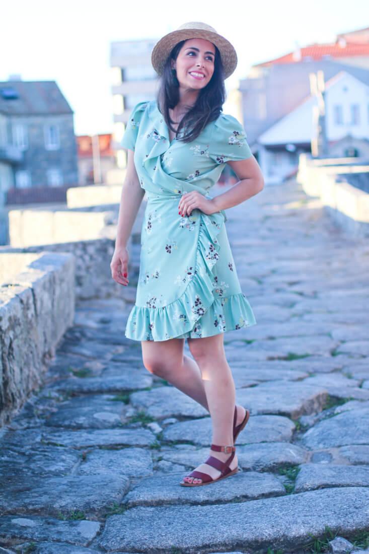 street-style-canotier-vestido-cruzado-mango