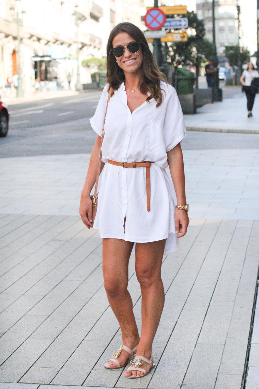 Vestido camisero blanco. Vigo Street Style Agosto.