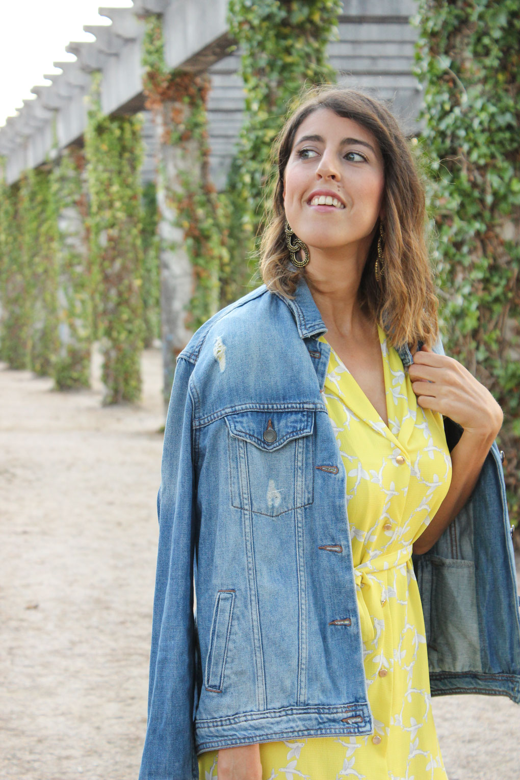cazadara-denim-vestido-largo-amarillo