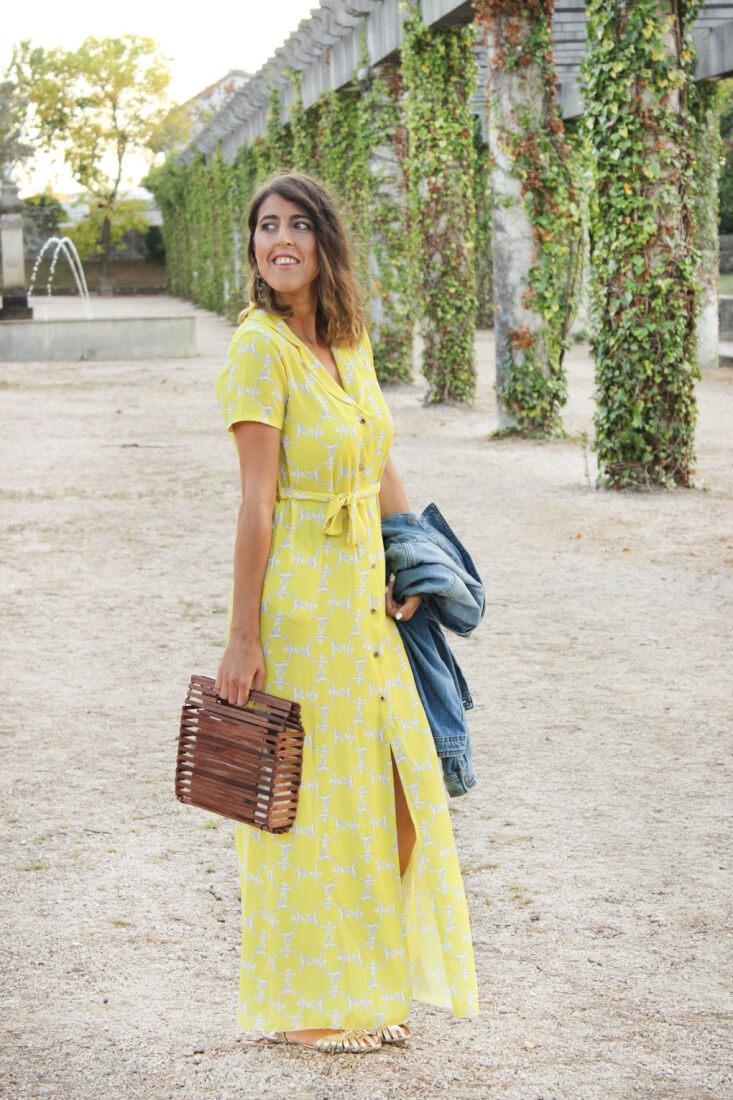 vestido estilo camisero amarillo
