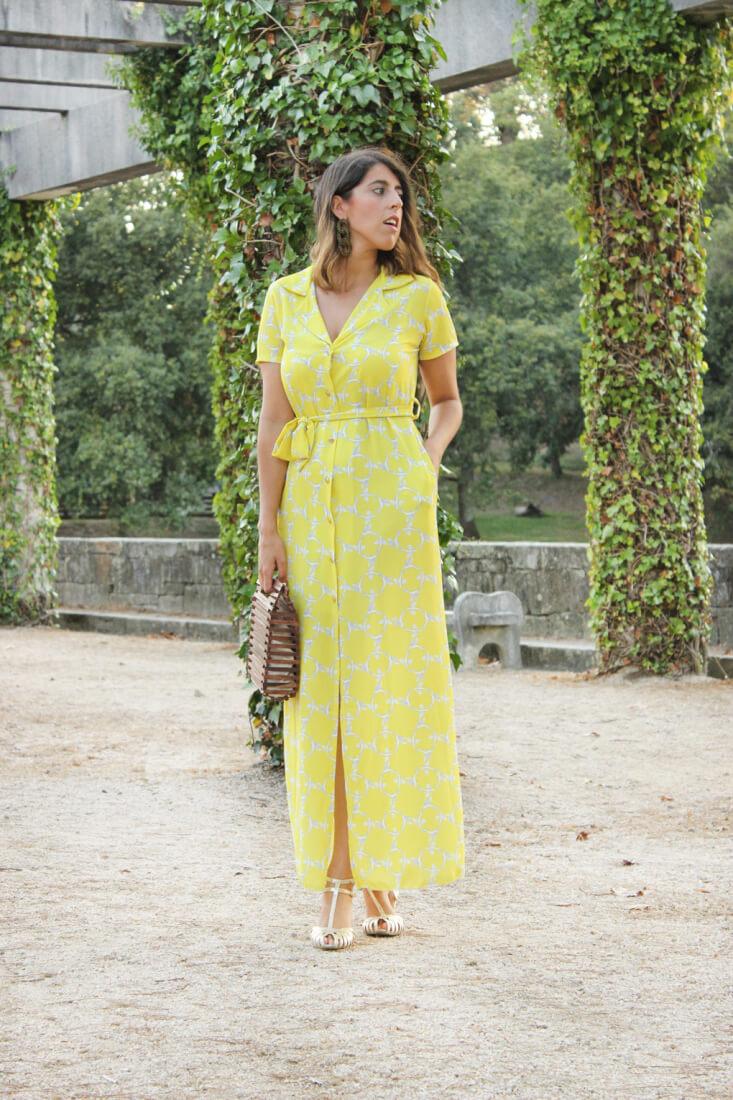 vestido largo amarillo con cinturon