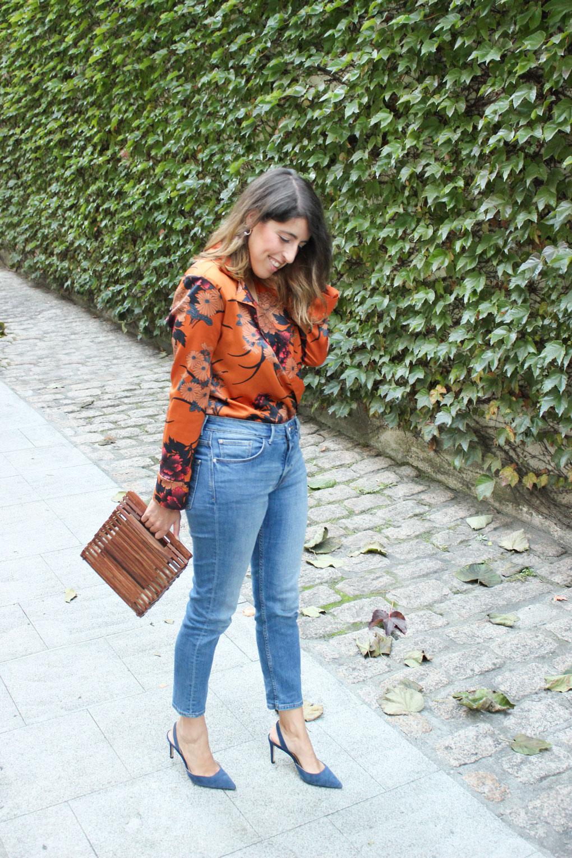 Blog moda gallego. Look con body naranja de zara y bolso de madera.