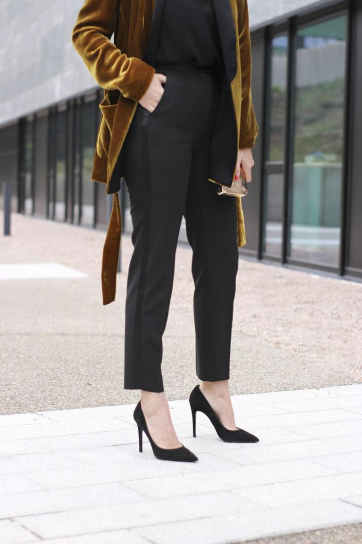 Pantalón esmoquin con raya lateral de raso