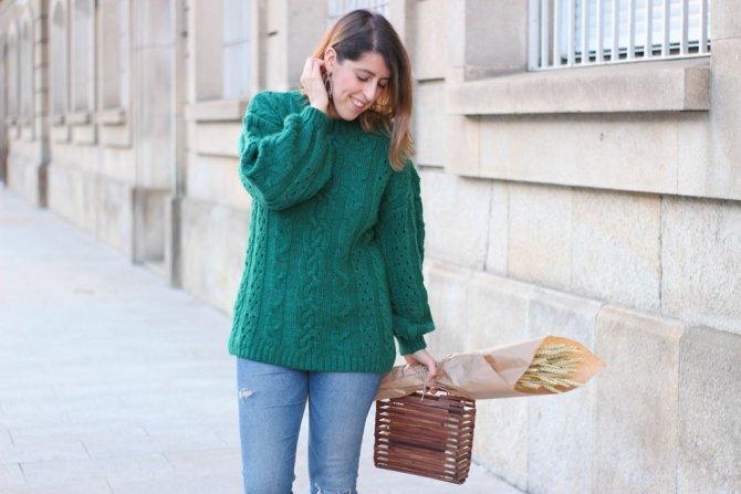 Green woollen pullover