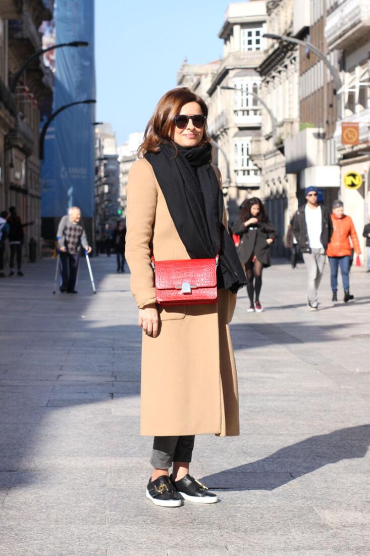 Moda en Vigo. Street Style. Abrigo camel.