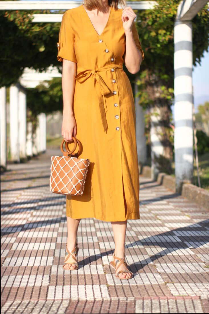 vestido-camisero-bolso-mango