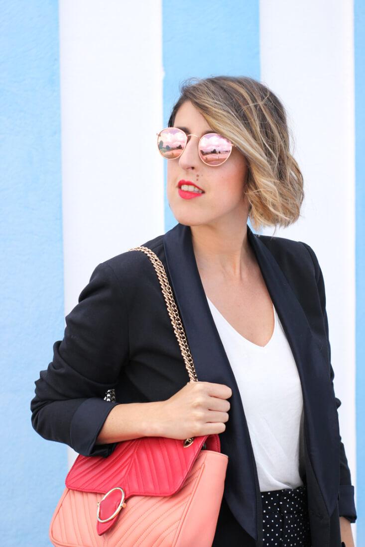 Bolso Uterqüe bicolor y gafas de sol espejo. Blog de moda Pontevedra