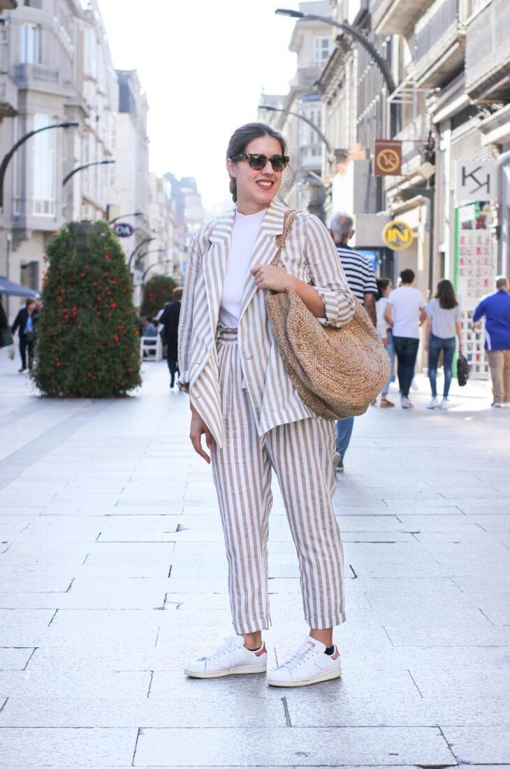 Street Style Vigo Junio. Traje de rayas.