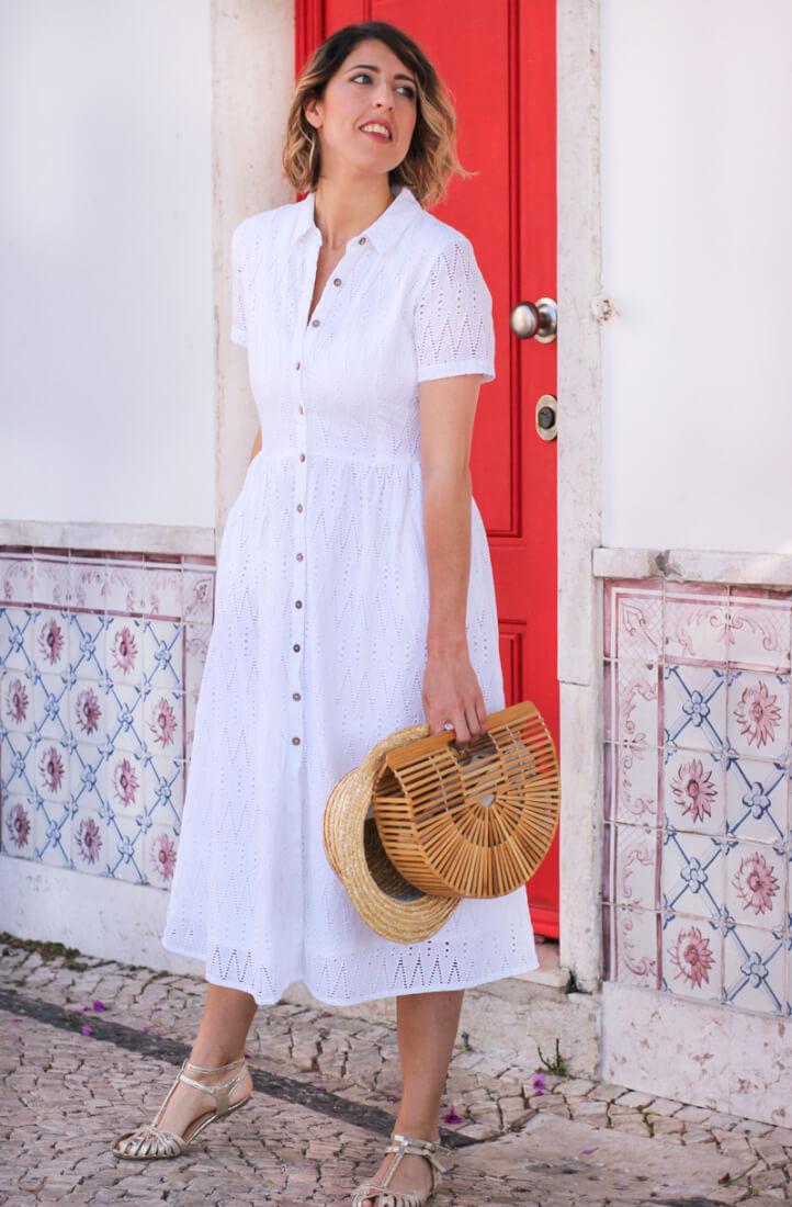 Vestido midi blanco con botones