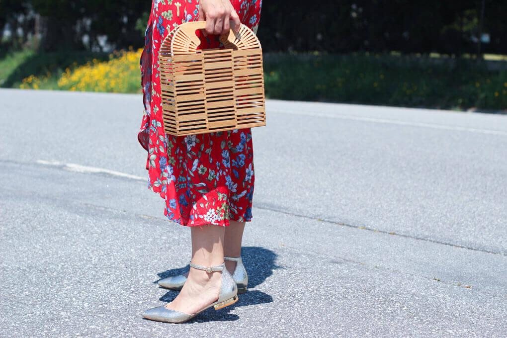 zapatos-cortefiel-como-combinar-tus-cangrejeras-doradas-vestido-de-tintoretto