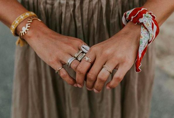 anillo con conchas como combinas tus accesorios con conchas