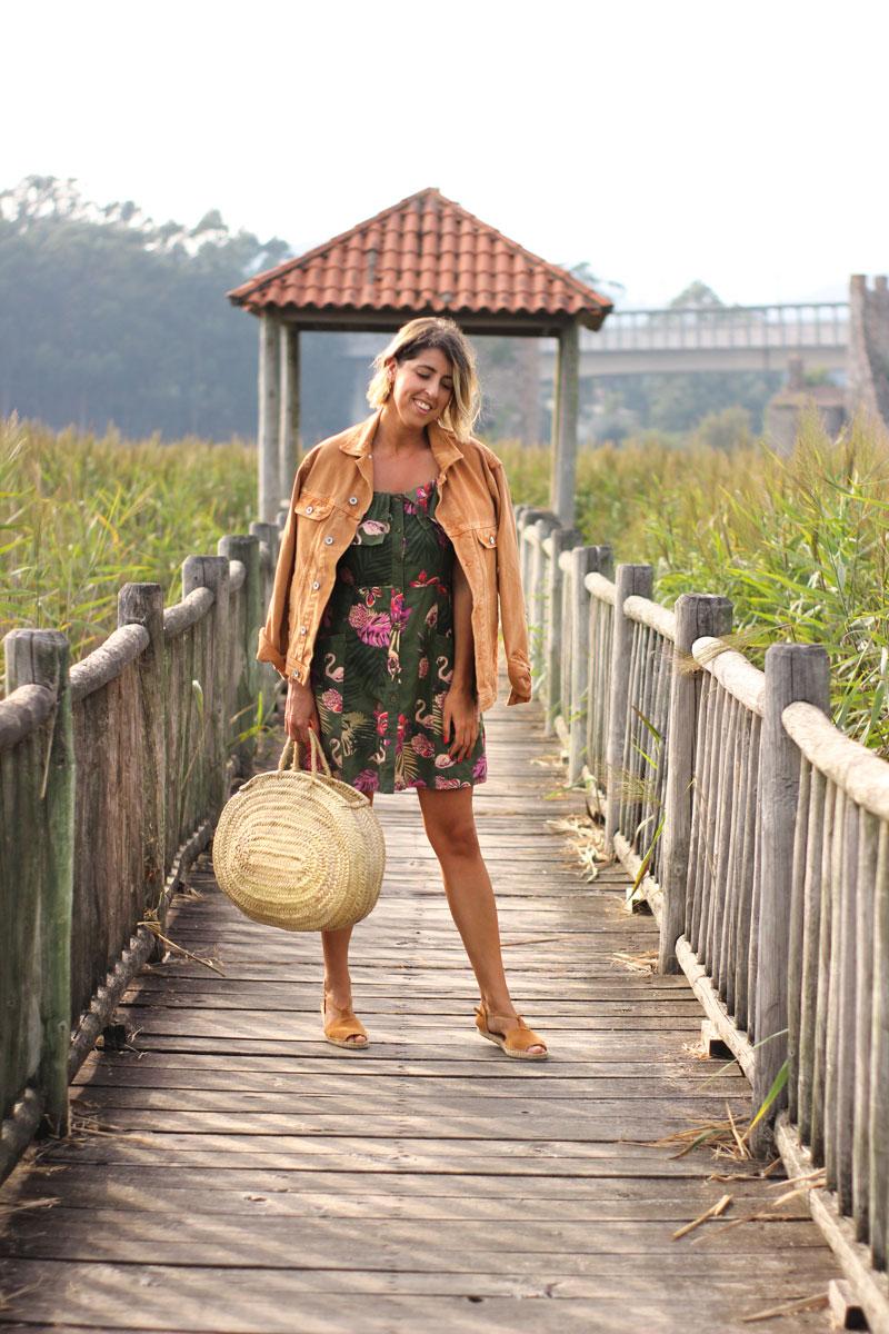 Bolso cesta vestido estampado flamencos