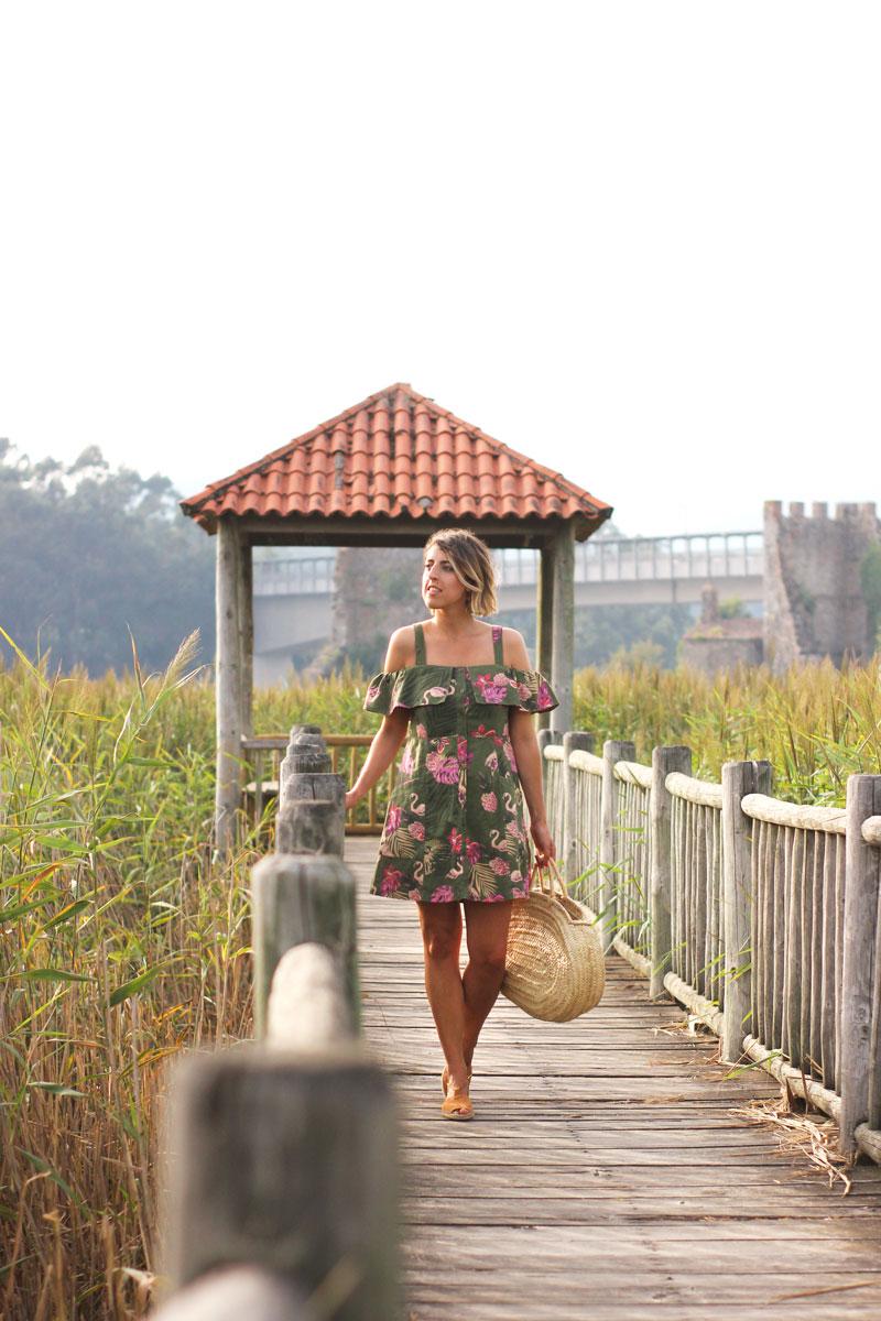 Look verano vestido bolso cesta alpargatas