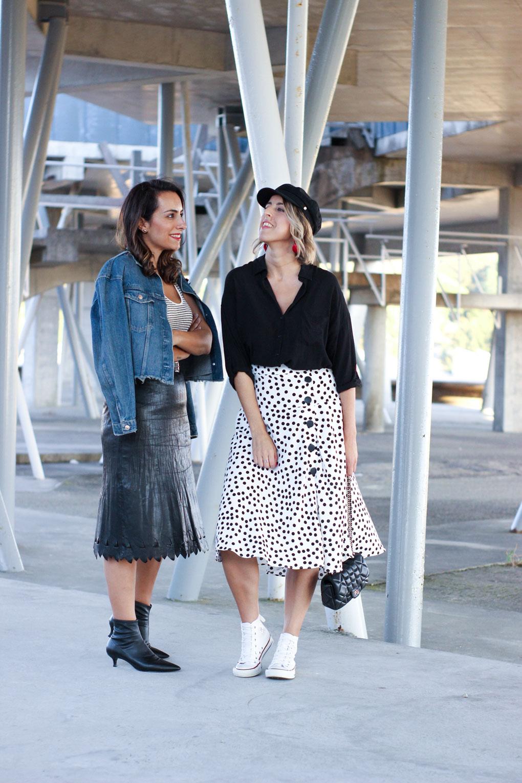 street-style-gorra-marinera-blanco-y-negro-street-style-converse