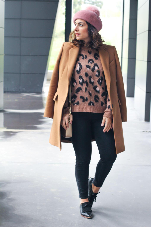 boina rosa como combinar tu boina rosa street style camel coat