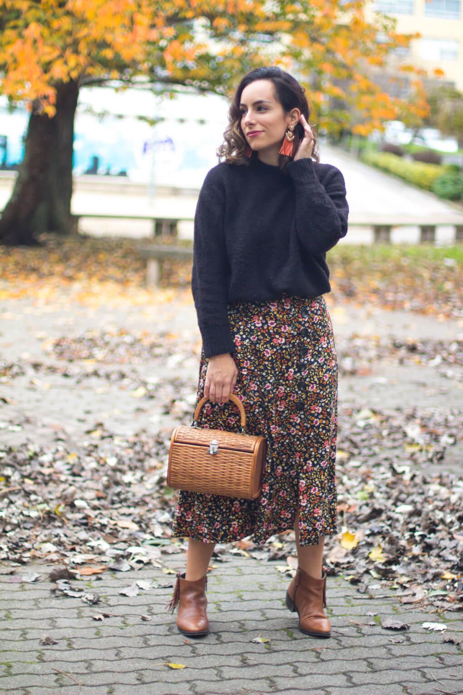 falda de flores siempre hay algo que ponerse street style flowers