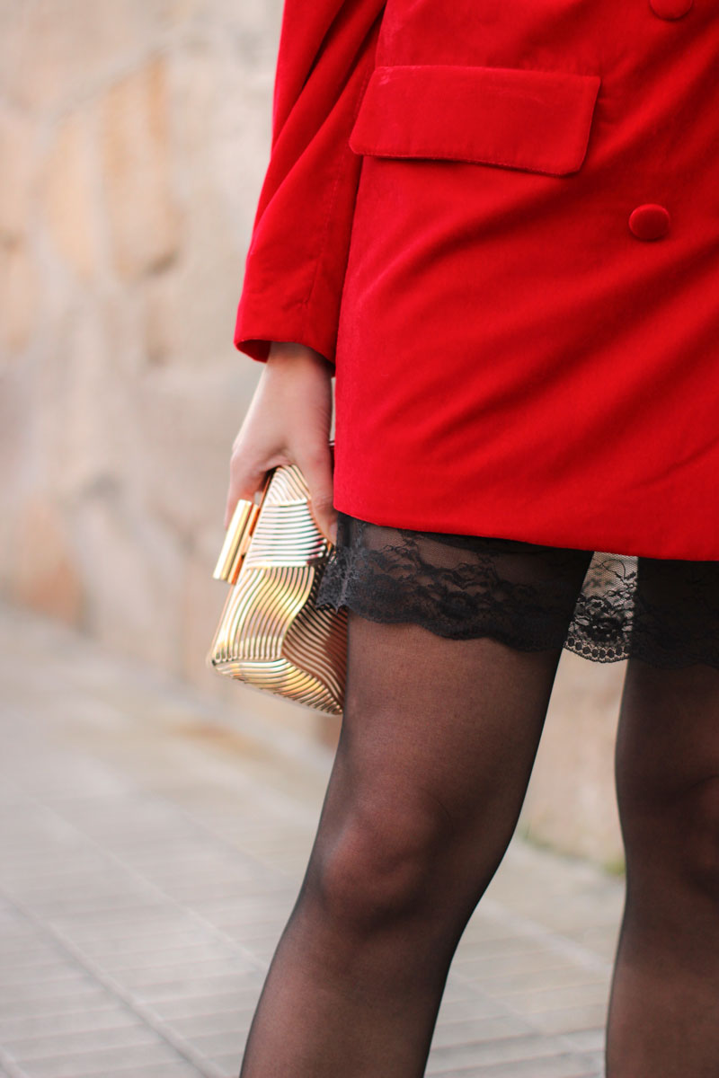 blazer-de-terciopelo-vestido-lencero-encaje