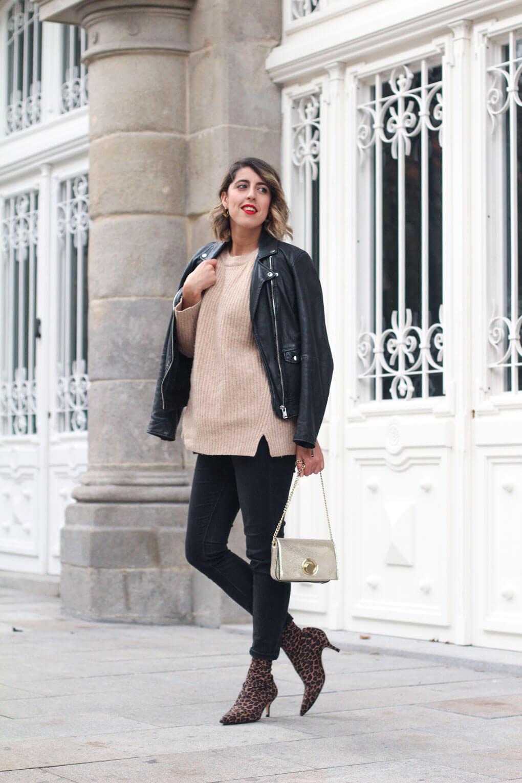 botines-estampado-leopardo-como-combinar-tus-botines-calcetin-street-style-perfecto