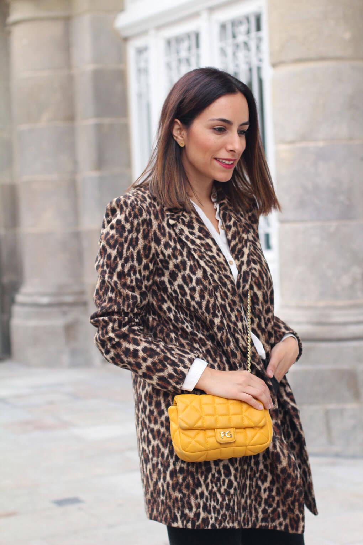 como-combinar-tu-bolso-amarillo-street-style-animal-print-estampado-leopardo