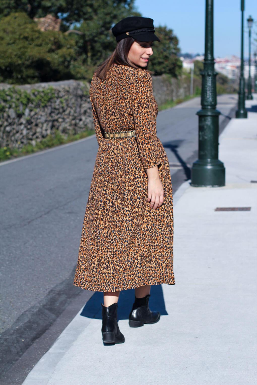vestido de leopardo street style leopardo street style botas cowboy