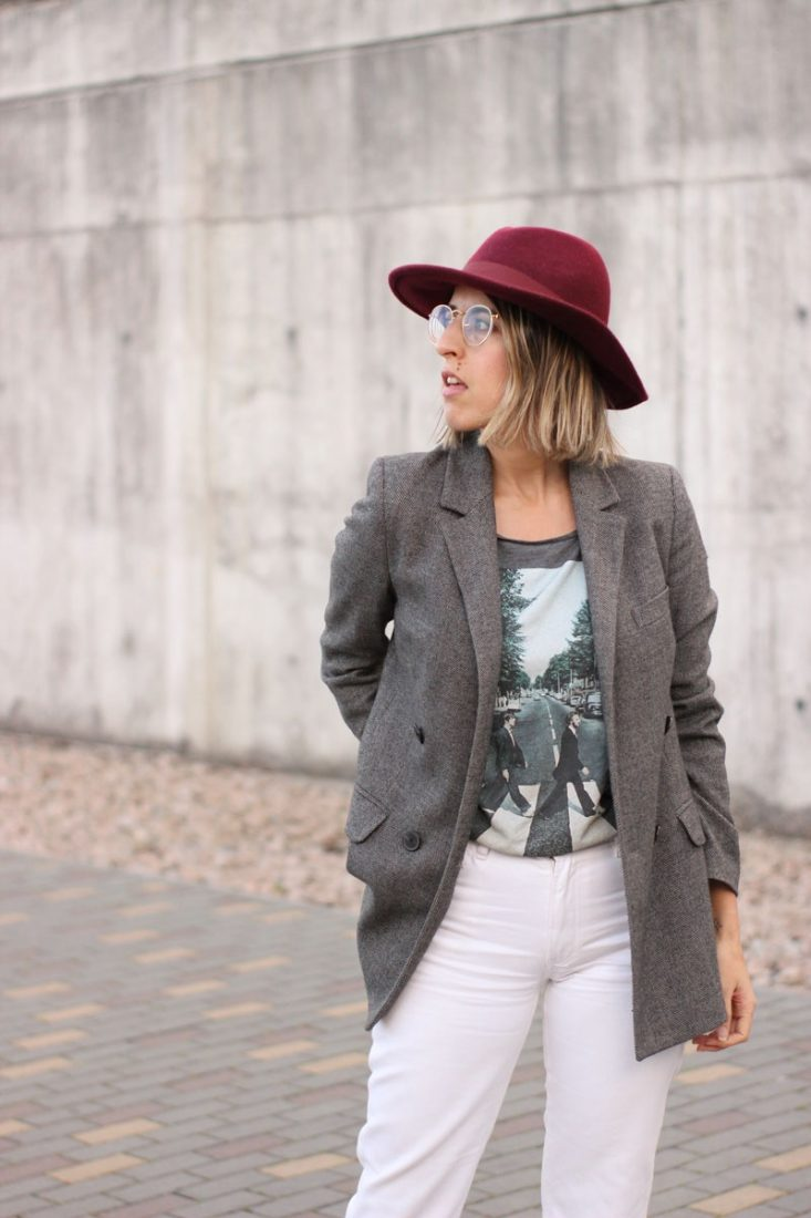 blazer-gris-pantalon-blanco-blog-moda