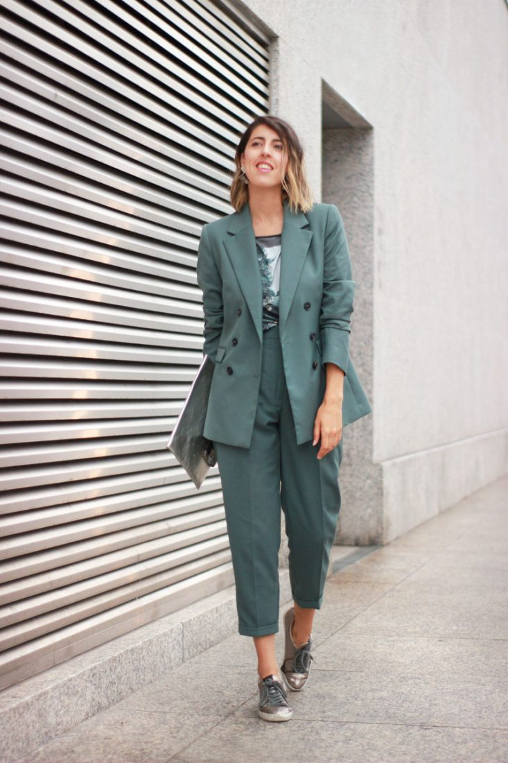 traje-femenino-look-oficina-street-style