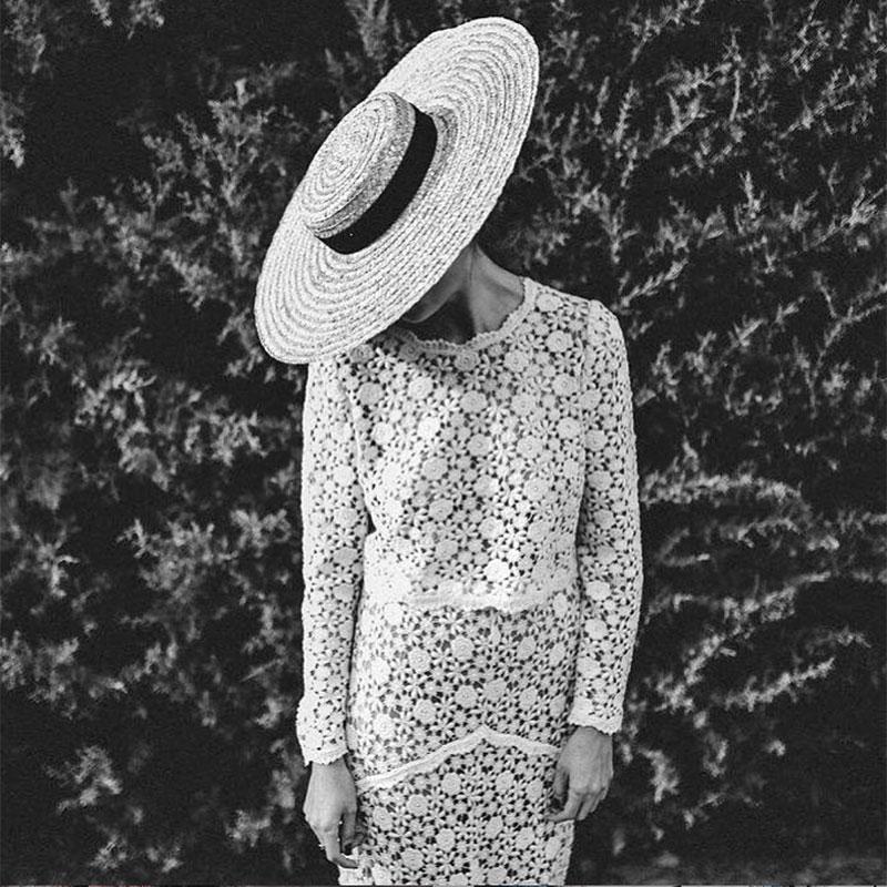 novia-con-canotier-vestido-crochet